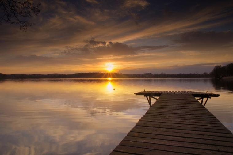 lake-2263858_960_720.jpg
